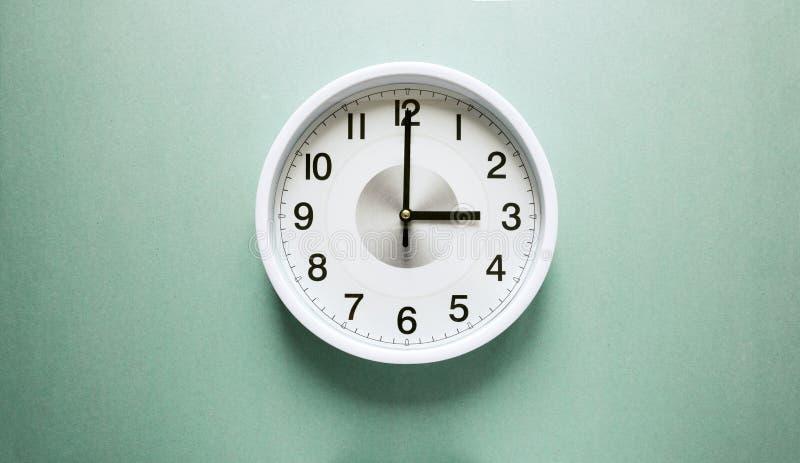 Часы ` 3 o стоковые изображения rf