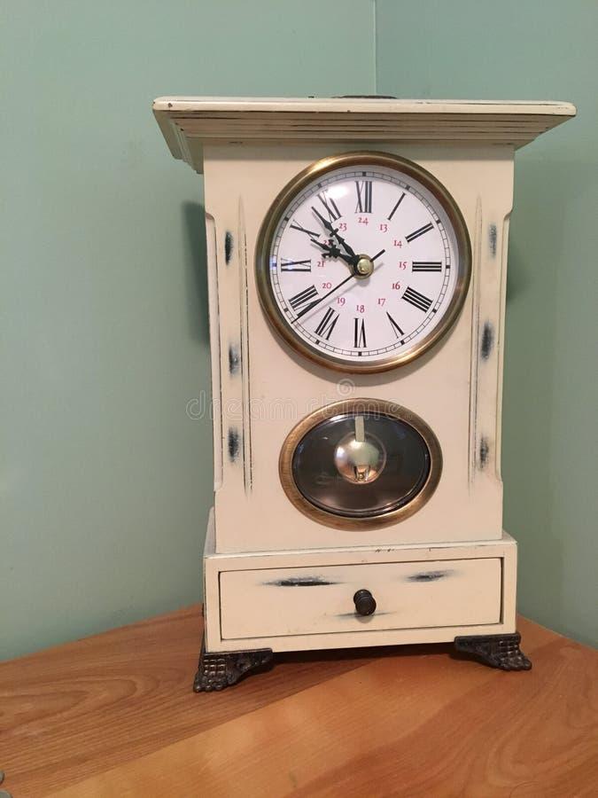Часы tock тикания стоковая фотография