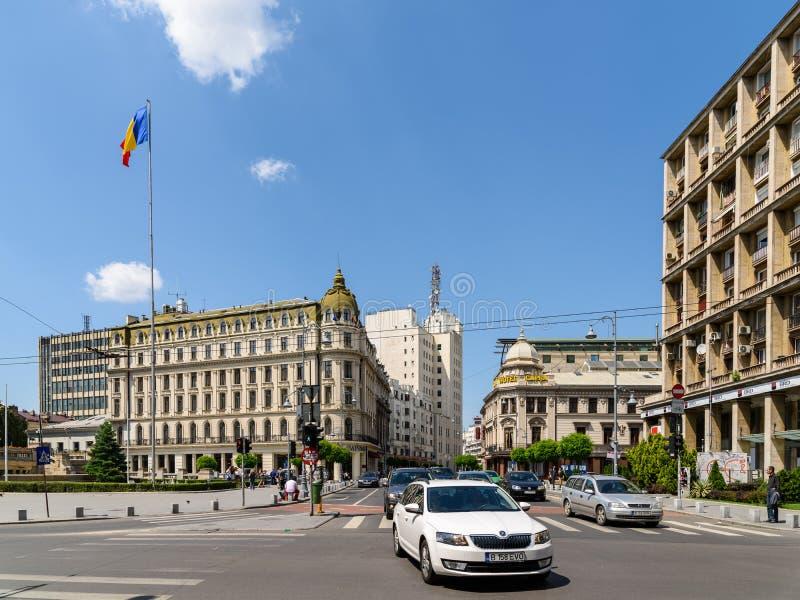 Час пик на бульваре победы (Calea Victoriei) в Бухаресте стоковая фотография