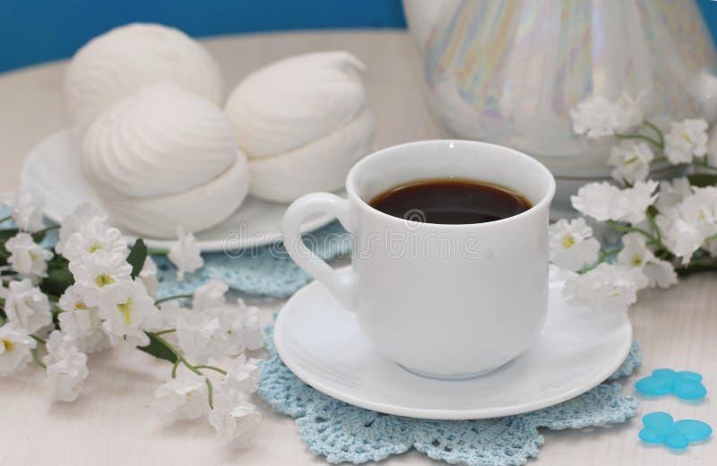 Чашек чаю и zephyr стоковые фотографии rf