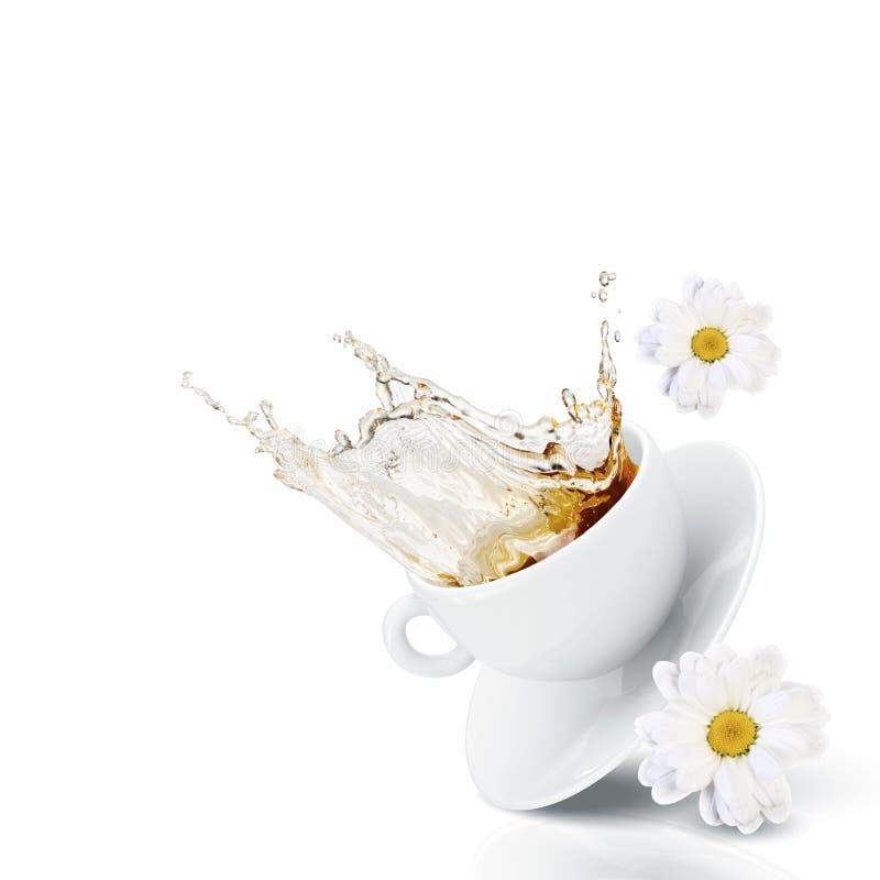 Download Чашек чаю стоковое изображение. изображение насчитывающей green - 41652333