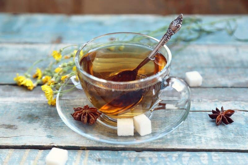 Download Чашек чаю стоковое изображение. изображение насчитывающей breadcrumbs - 41653321