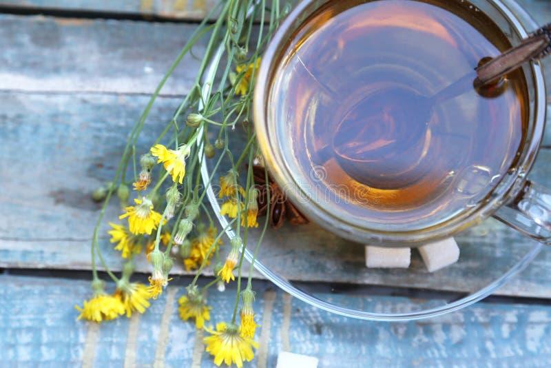 Download Чашек чаю стоковое фото. изображение насчитывающей жидкость - 41657544