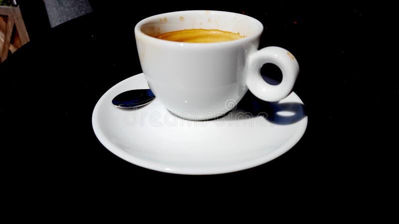 Чашка кофе в белой чашке фарфора стоковое фото