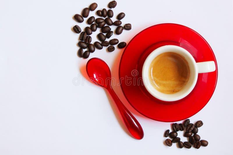 Чашка кофе и цветовые контрасты стоковая фотография