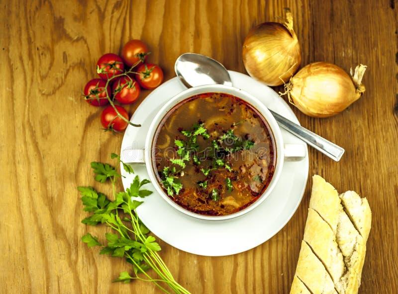 Чашка супа лука сверху стоковые изображения