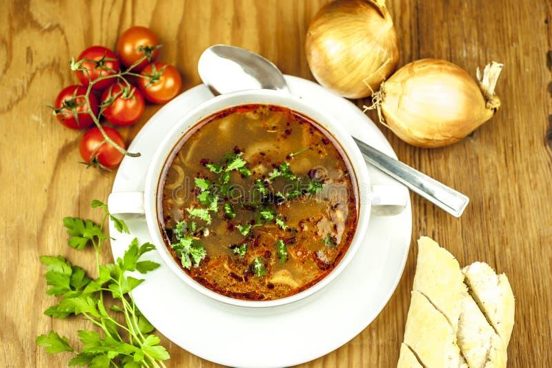 Чашка супа лука сверху стоковое изображение rf