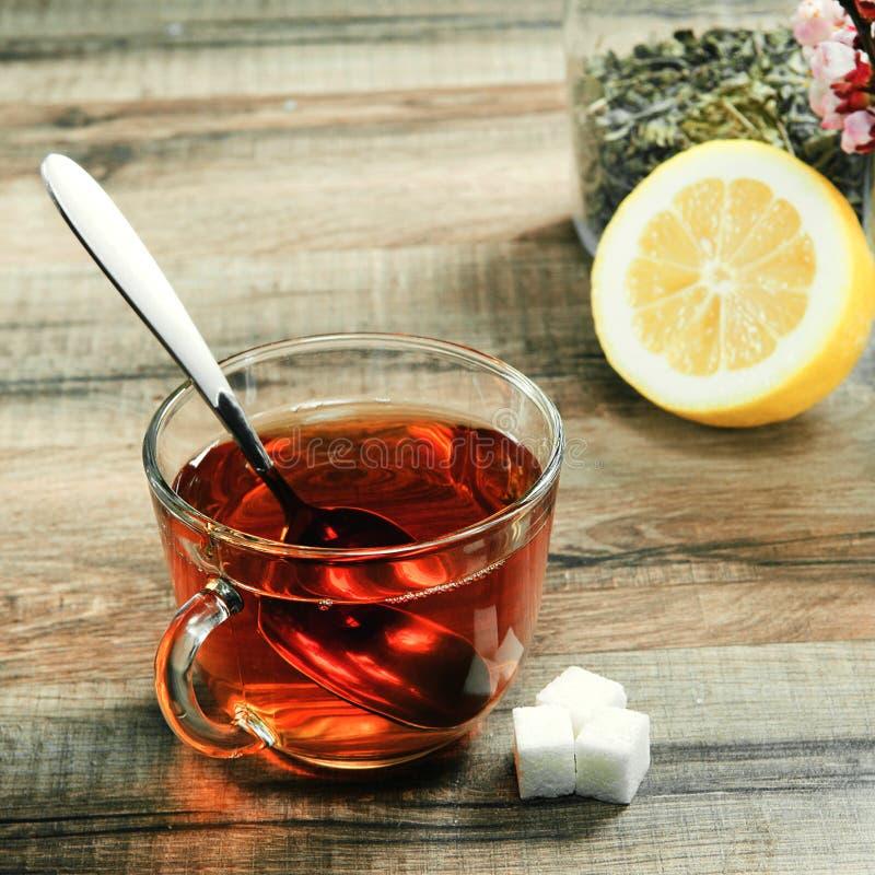 чашка цветет чай стоковое изображение rf