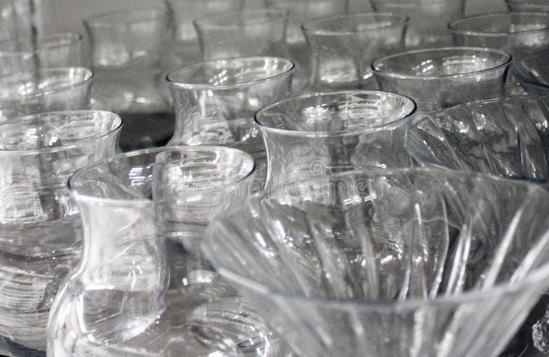 Чашки и стекла сделанные из кристаллического стекла стоковое изображение