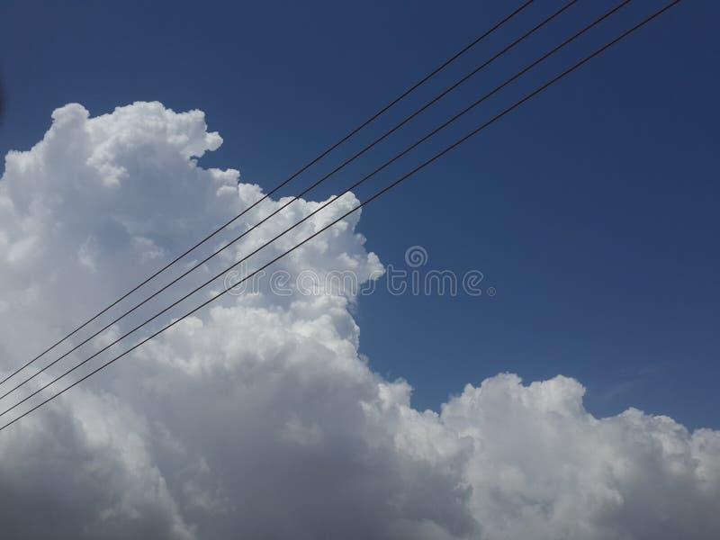 Чего делают облака говорят? стоковое фото rf