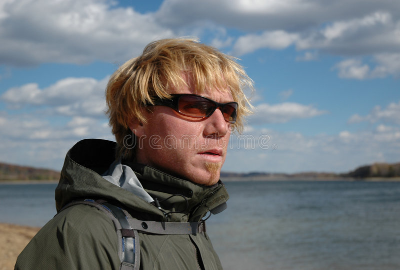 человека солнечные очки outdoors стоковая фотография rf