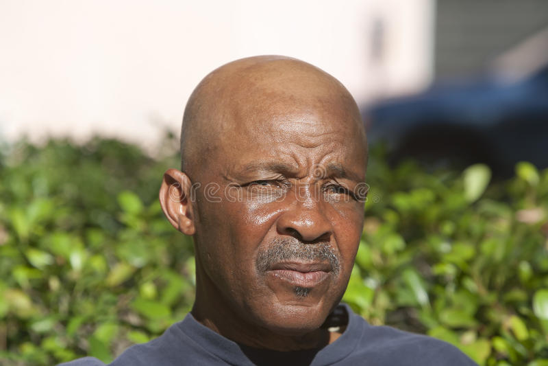 человек афроамериканца облыселый стоковое изображение rf