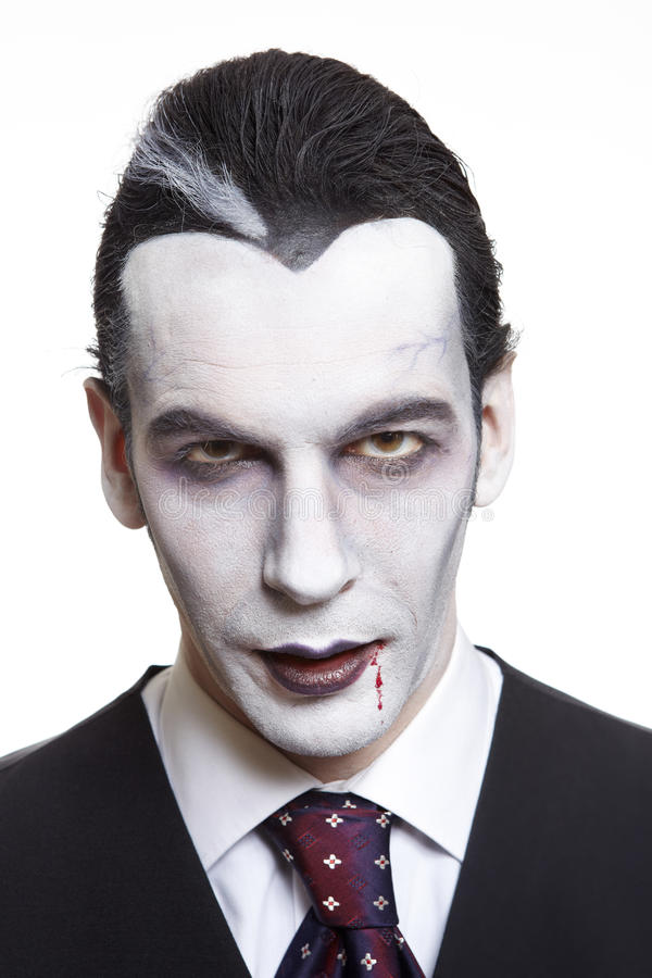 Человек в костюме причудливого платья Дракула стоковые изображения