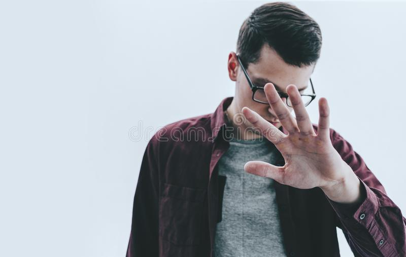 Человек и рука стоковые фотографии rf