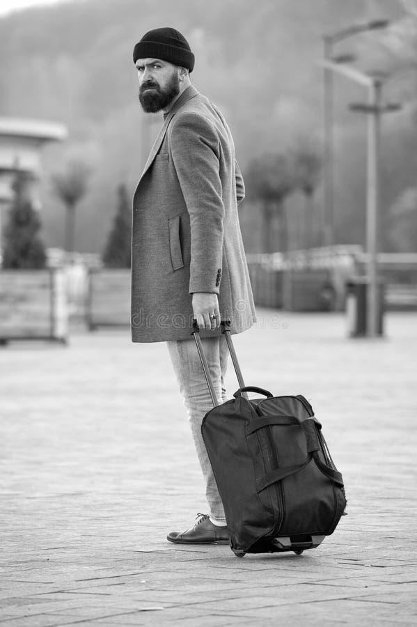 Человек моды с бородой E o r r стоковое изображение