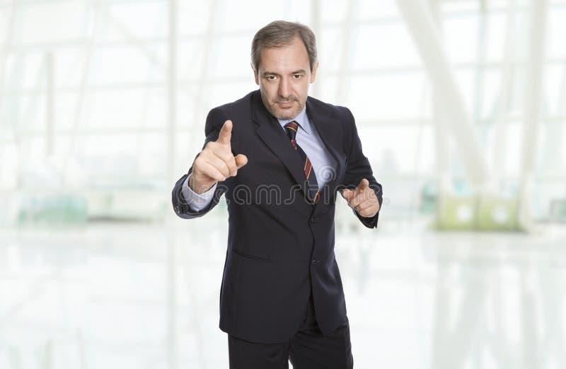 человек предпосылки изолированный делом над белизной стоковое изображение
