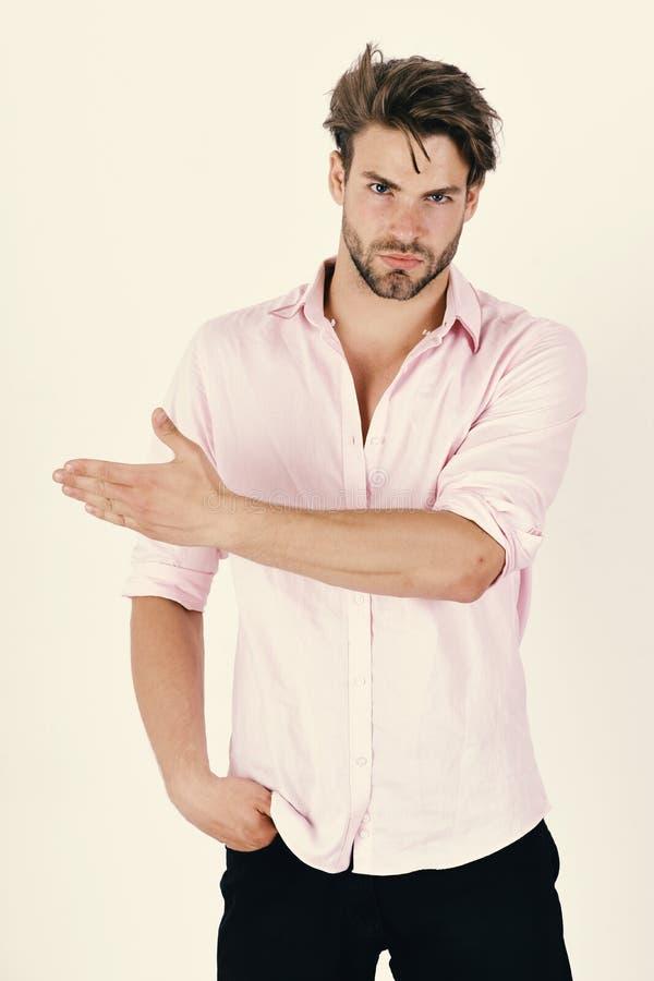 Человек при уверенно сторона изолированная на белой предпосылке Концепция моды и доверия Мачо пункты выпрямляют стоковое фото