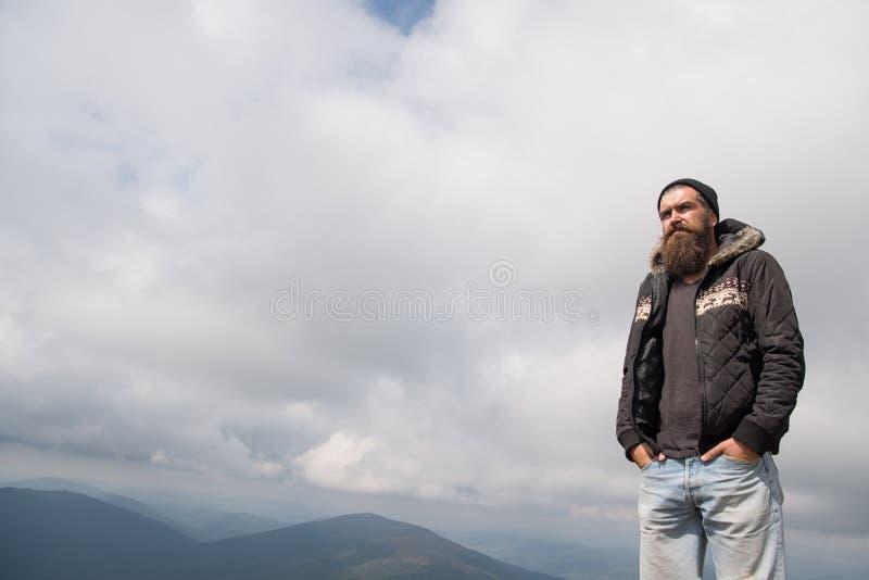 Человек с длинной бородой и усик внешний стоковое изображение