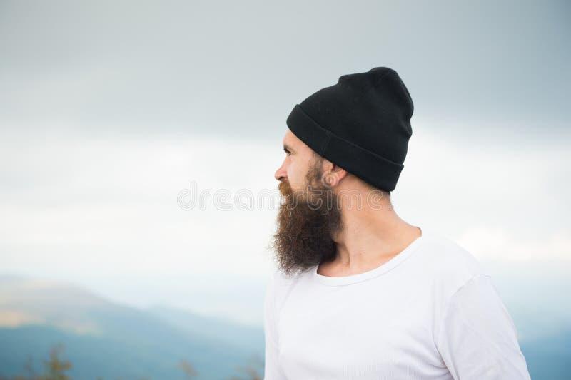 Человек с длинной бородой и усик внешний стоковое фото rf
