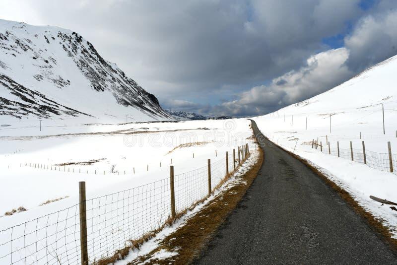 Через долину снега стоковые фото