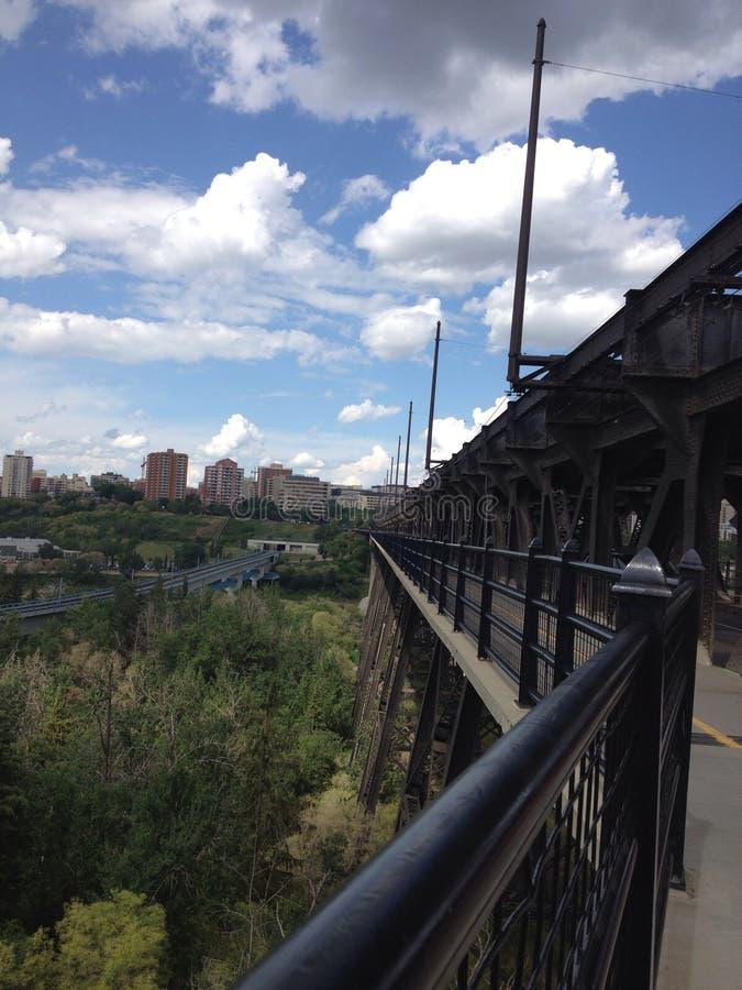 Через мост стоковое изображение rf