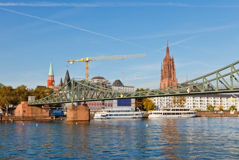 через реку основы frankfurt моста стоковое изображение