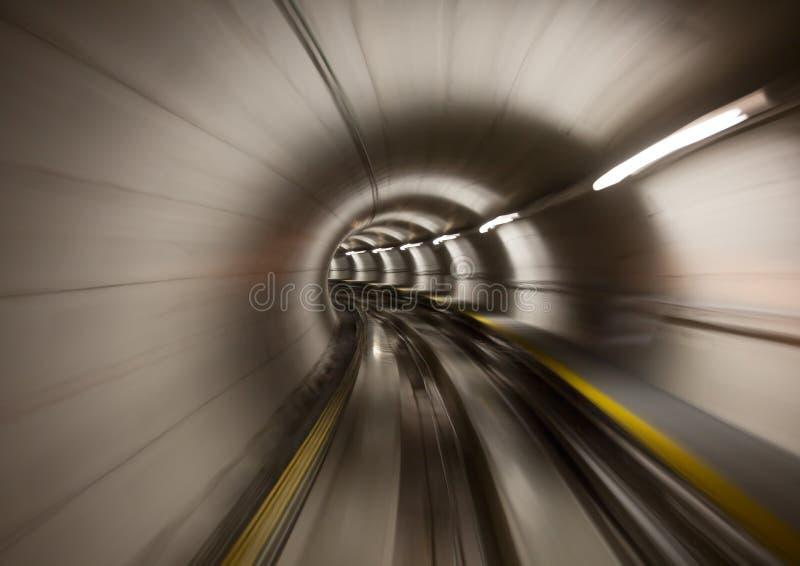 Через тоннель стоковое изображение