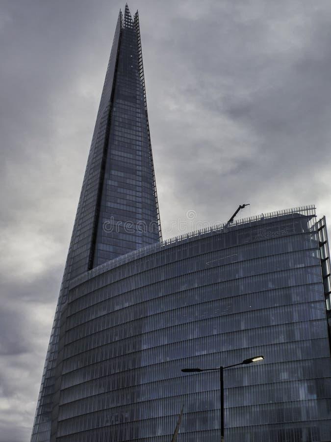 Черепок Лондона на темный, бурный день стоковое изображение rf