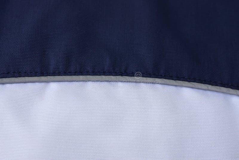 Черная белая текстура ткани от части скомканного дела стоковые фото