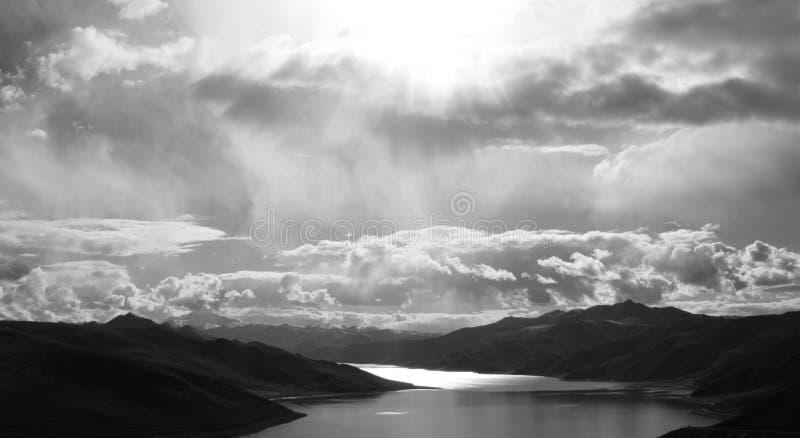 черная белизна ландшафта стоковая фотография