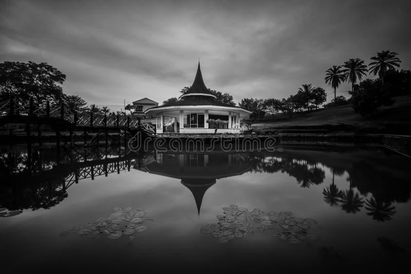Черная белизна остров Индонезия Singkep пагоды стоковые изображения