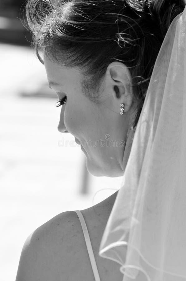 черная белизна портрета невесты стоковая фотография