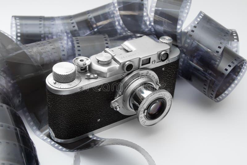 черная белизна сбора винограда rangefinder пленки камеры стоковые фотографии rf