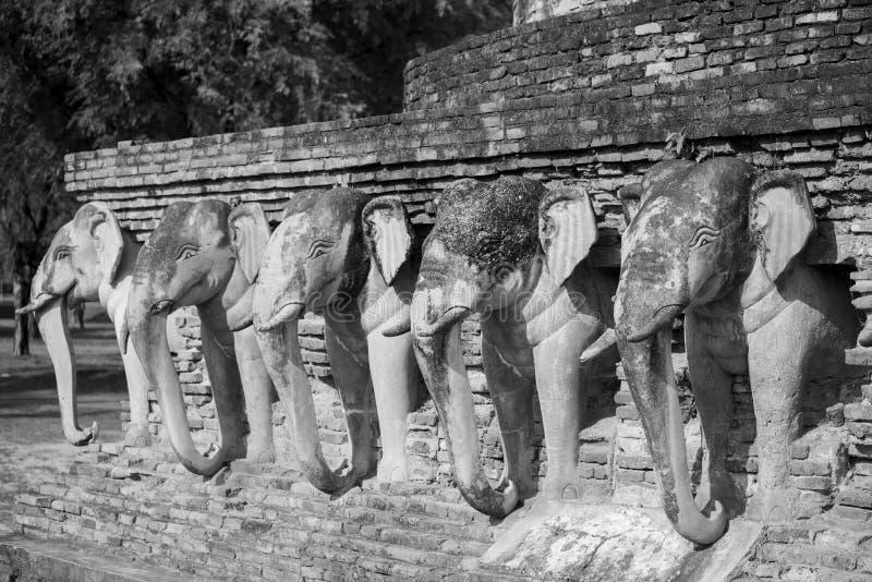 черная белизна Парк Sukothai исторический, всемирное наследие ЮНЕСКО Висок Rop Chang, Таиланд стоковое изображение