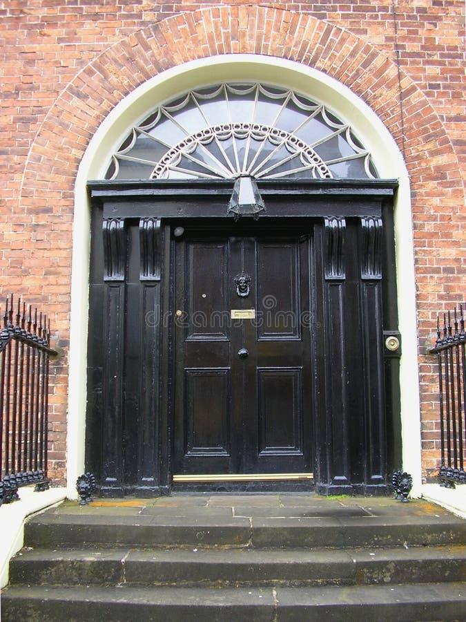 Черная дверь стоковое изображение rf