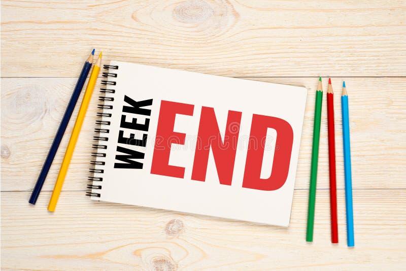 Черная неделя и красный текст конца, концепция выходных стоковые фото