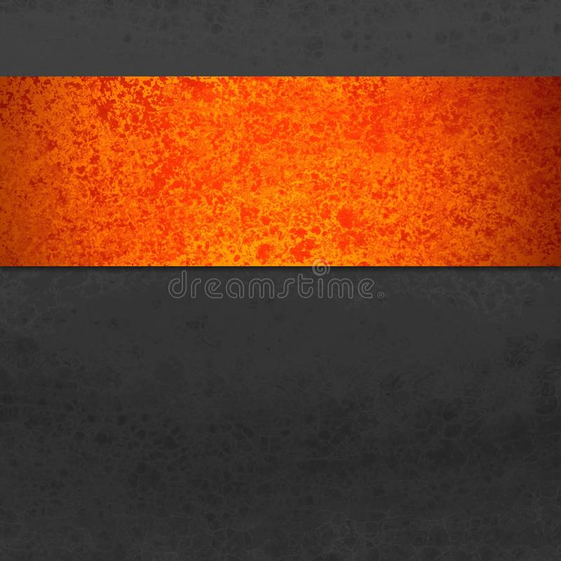 Черная предпосылка с красочной нашивкой или лента в оранжевом и красном grunge или винтажной текстуре хеллоуине или осени стоковое фото rf