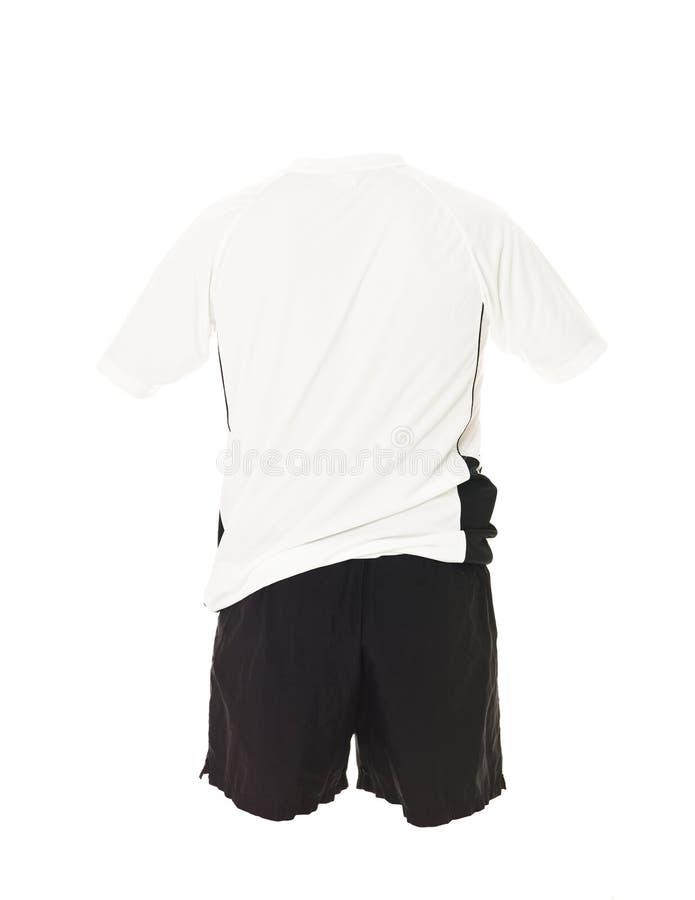 черная рубашка футбола замыкает накоротко белизну стоковое изображение