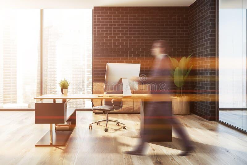 Черная таблица компьютера офиса менеджера кирпича, человек иллюстрация вектора