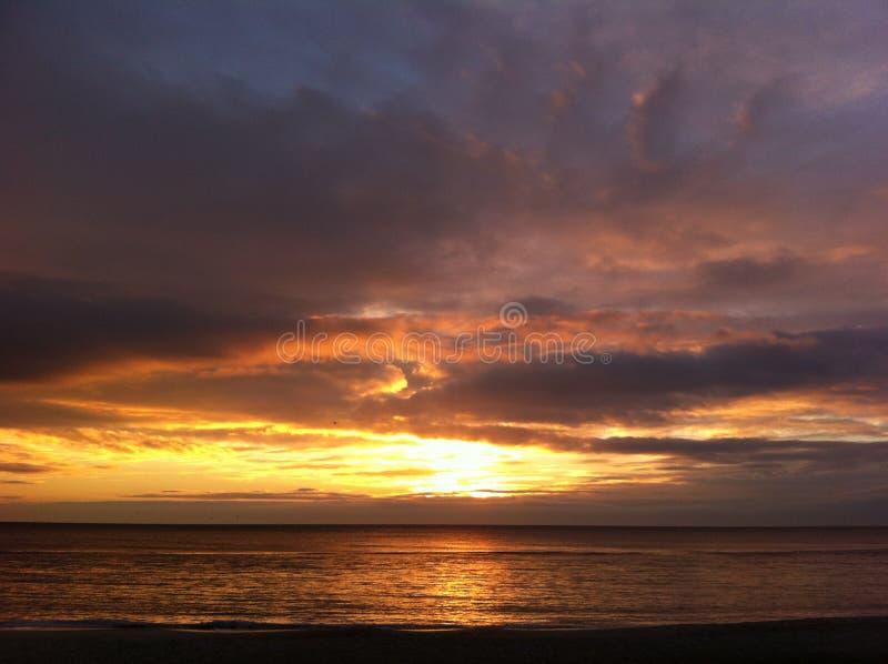 черное море рассвета стоковое фото