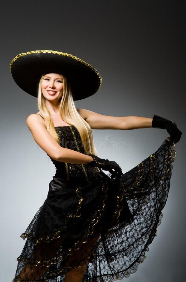 Чернота женщины нося стоковое фото