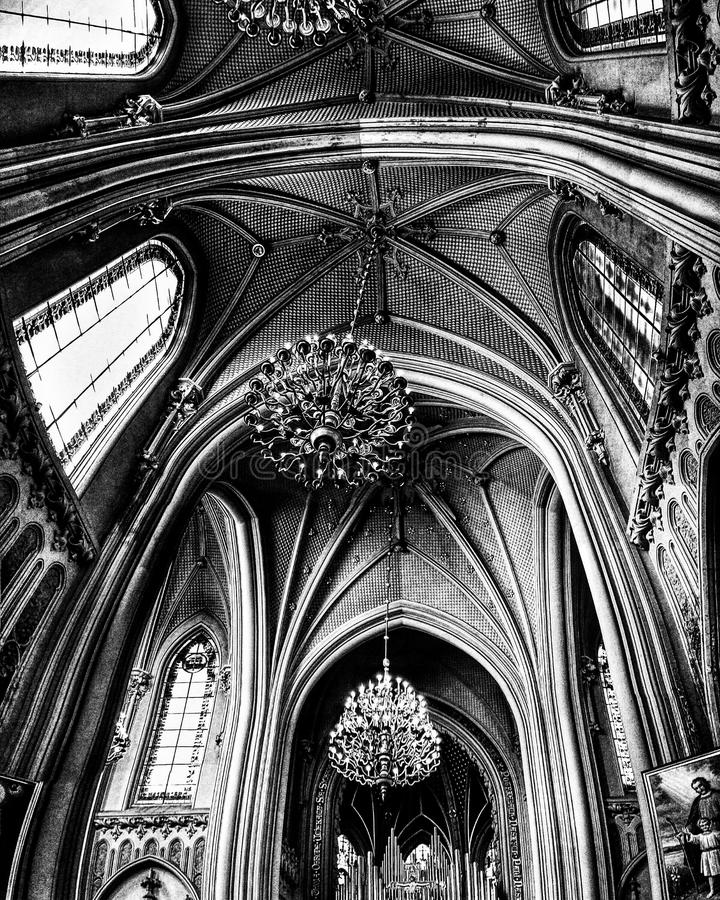 Черно-белая съемка интерьера St Nicholas в Kyiv - УКРАИНЕ стоковые изображения