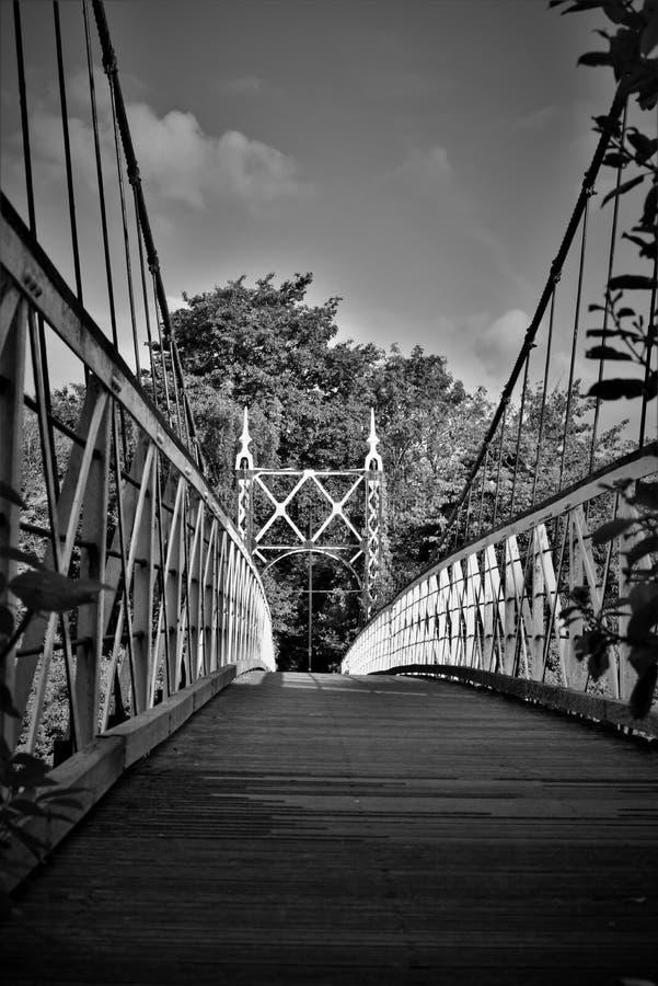 Черно-белое изображение моста howley стоковая фотография rf