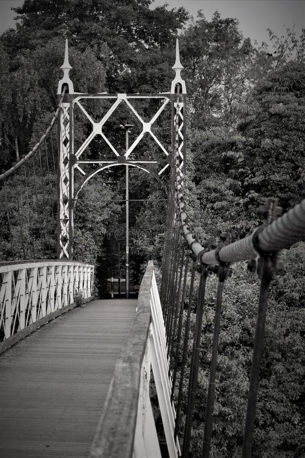 Черно-белое изображение моста howley стоковое фото