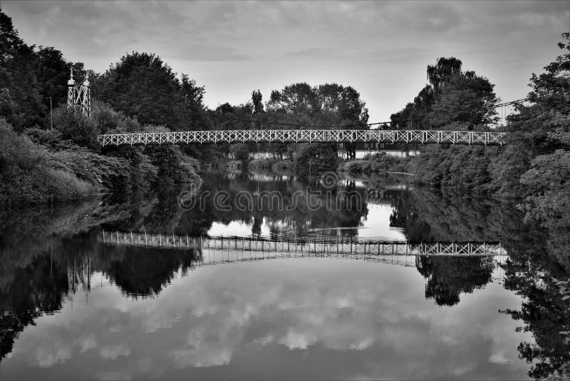 Черно-белое изображение моста howley стоковые изображения