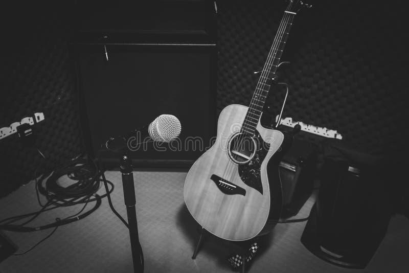 Черно-белая концепция фото диапазон музыки стоковая фотография