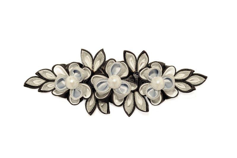 Черно-белые цветки kanzash изолированные на белизне стоковое изображение rf