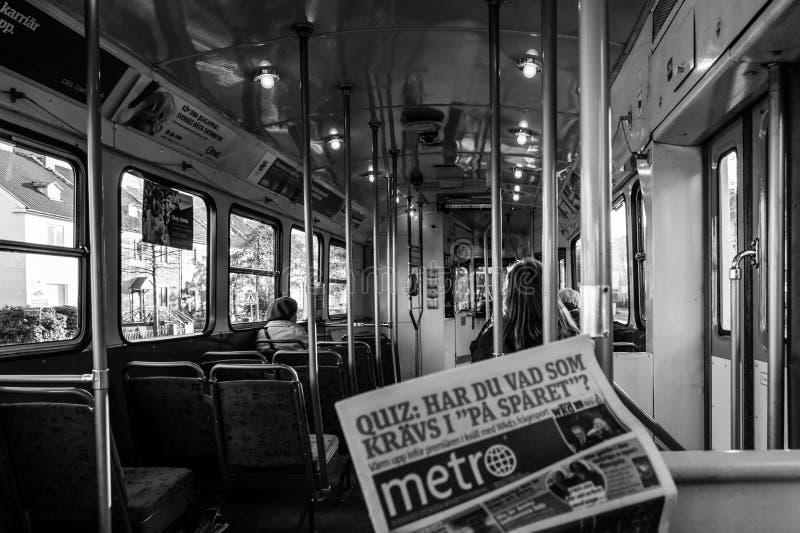 Черно-белый крытый взгляд шведского трамвая, retro_editorial стоковое изображение rf