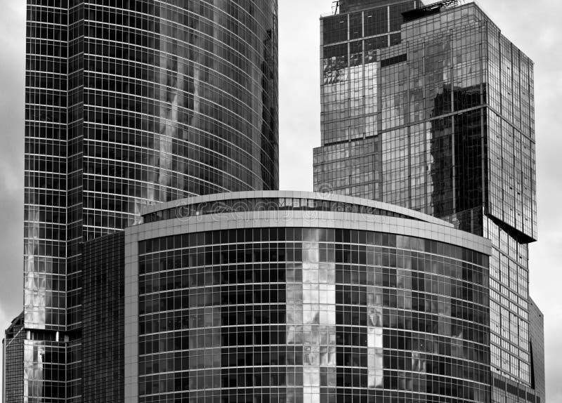 Черно-белый небоскреб стоковые фото