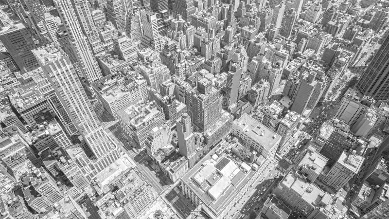 Черно-белый тонизированный вид с воздуха Манхаттана, NYC стоковое изображение rf